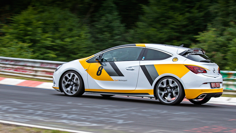 Rehabilitate hot hatch Opel Astra OPC at the Nurburgring