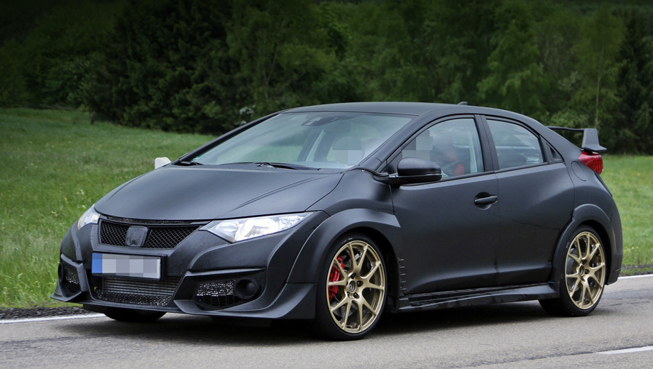 Hot hatch Honda Civic Type R filmed without camouflage