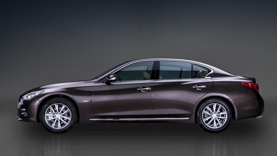 Sedan Infiniti Q50 stretched specially for China