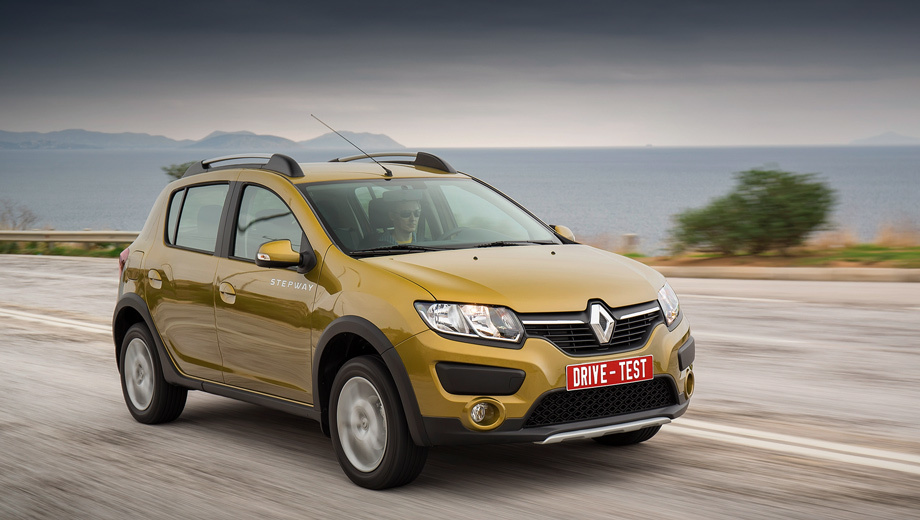 break to freedom in the hatchback renault sandero stepway. Black Bedroom Furniture Sets. Home Design Ideas